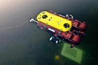 Unterwasserfahrzeug Dagon bei einer Testfahrt im Uni-See. Der Roboter kann sich selbst lokalisieren und visuelle Karten der Umgebung erstellen. Quelle: Foto: DFKI GmbH (idw)