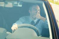 """Urlaubszeit: ACV warnt vor dem Unfallrisiko Müdigkeit am Steuer. Bild: """"obs/ACV Automobil-Club Verkehr/istock/mediaphotos"""""""