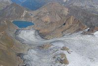 Wenn Gletscher schmelzen, geben sie Raum frei, den man als Wasserreservoir oder zur Energieproduktion nutzen könnte. Quelle: Foto: Giovanni Kappenberger (idw)