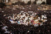 Demonstranten, die am 27.November 2012 auf dem Tahrir-Platz in Kairo protestieren.