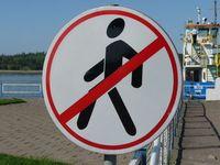 Verbotsschild: Schutz vor gefährlichen Gegenden (Foto: pixelio.de/Dieter Schütz)
