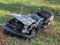 Beschädigter PKW des Verletzten Bild: Polizei