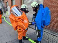 Einsatz unter Chemiekalienschutzanzug Bild: Feuerwehr Herdecke