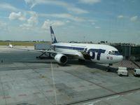 Boeing 767-200 der LOT