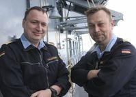 Alter und Neuer Kommandant der Fregatte Lübeck. Hier Jetziger Kommandant FKpt Sallermann Bild:     Kim Brakensiek