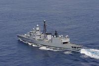 Luftbild der Fregatte KARLSRUHE während des Einsatzes im Mittelmeer. Bild: PIZ Marine Björn Wilke