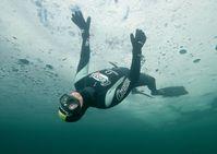 Christian Redl ist für seine Freitauchrekorde unter Eis bekannt.