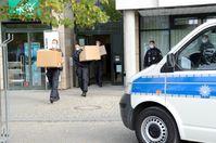 Umfangreiches Beweismaterial wird in Garbsen gesichert Bild: Polizei