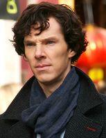 Benedict Cumberbatch bei den Dreharbeiten zur Serie Sherlock im Jahr 2010