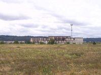 Das Kernkraftwerk Żarnowiec (polnisch Elektrownia Jądrowa Żarnowiec) sollte das erste Kernkraftwerk in Polen werden. Es sollten vier Reaktoren vom Typ WWER-440/213 gebaut werden. Wegen Protesten wurde das Projekt in den 1990er-Jahren aufgegeben.