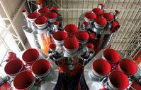 Triebwerke der ersten und zweiten Stufe einer Sojus-FG-Rakete