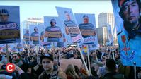 Hundertausende friedliche Demonstranten protestieren für Friede, Freiheit und gegen eine Diktatur am 07.11.2020.