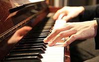 Klavierüben: gut für das Gehirn. Bild: Flickr/Kim