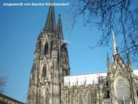 Der Kölner Dom ist das Wahrzeichen von Köln und der Mittelpunkt der Stadt. Domspitzen vom Roncalliplatz aus. Bild: meinestadt.de Sascha Schützendorf