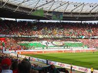 Die HDI-Arena (1954–2002 Niedersachsenstadion und 2002–2013 AWD-Arena) ist ein Fußballstadion mit 49.000 überdachten Zuschauerplätzen in Hannover.
