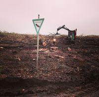 Rodungsarbeiten im Hambacher Forst 2015, LSG-Schild im Vordergrund