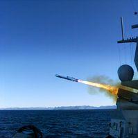 Der Seezielflugkörper Naval Strike Missile (NSM) Block 1A wird in Zukunft als Bewaffnung auf den Fregatten F124, F125 und F126 eingesetzt  Bild: Kongsberg Defence and Aerospace Fotograf: PIZ Ausrüstung, Informationstechnik und Nutzung