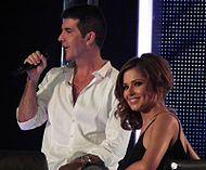 Cole zusammen mit Simon Cowell bei The X Factor Bild: rustyallie (Alison Martin) / de.wikipedia.org