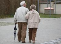 Immer mehr Menschen werden immer älter Foto: pixelio.de/Balzer Matthias