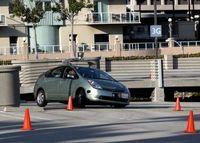 Autonom: Google-Auto umkurvt Hindernisse. Bild: Flickr.com/Steve Jurvetson
