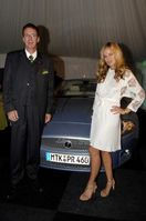 """Jeffrey L. Scott (Geschäftsführer Jaguar Deutschland GMBH), Jade Jagger """"The Gorgeous Glamour of the Swinging Sixties"""" Party und die Premiere des Jaguar XKR während des AvD-Oldtimer-Grand-Prix auf dem Nürburgring am 11.08.2006 (c.) JAGUAR DEUTSCHLAND GMBH"""