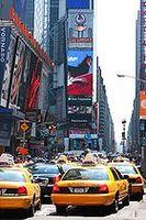 Times Square bei Tag, Juni 2008 Bild: André D Conrad / de.wikipedia.org