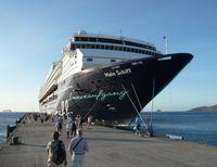 Das erste Schiff der Gesellschaft: die Mein Schiff 1 (hier noch unter dem Namen Mein Schiff; 2010)
