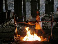 Eingeschlossen in M'aarat al Nunam: Ausgehungerte Kreuzfahrer verzehren Menschenfleisch.
