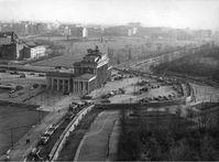 Luftbild des Brandenburger Tors, 1961