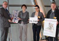 v.li: MDB Udo Schiefner, Dr. Corina Gericke (ÄgT), Cristeta Brause (TASSO), Torsten Schmidt (bmt). Bild: Ärzte gegen Tierversuche e.V.