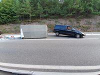 Verunfalltes Gespann Bild: Polizei