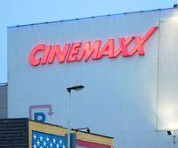 Leuchtreklame am Cinemaxx Hannover (Nikolaistraße)