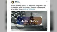 Eine vom US-amerikanischen Navykriminaldienst (NCIS) veröffentlichte Grafik vom 13. Oktober 2021, in der ein Foto eines russischen Kriegsschiffs verwendet wird, um der US-Navy zum Jahrestag zu gratulieren.