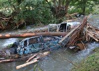 Nach der Flut verstopfen Autos viele Flüsse. Hier die Olef bei Gemünd. Bild: R+V Versicherung AG Fotograf: R+V Versicherung AG