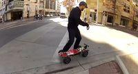 "Screenshot aus dem Youtube Video ""Chaotic Moon - skateboard elettrico con Xbox Kinect & Windows 8 """