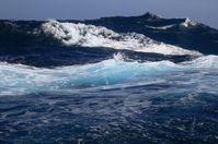 Zwischen dem Ozean und der Atmosphäre herrscht ein reger Austausch des Treibhausgases Kohlendioxid. Das Südpolarmeer spielt hierbei eine wichtige Rolle. Quelle: Foto: Frank Rödel, Alfred-Wegener-Institut (idw)