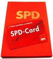 Parteibuch der SPD und SPD-Card (viele Vergünstigungen mit der SPD-Card gibt es seit 2007 nicht mehr)