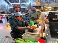 """Frische Produkte sicher anbieten - Naivas Supermarkt in Kenia /  Bild: """"obs/DEG - Deutsche Investitions- und Entwicklungsgesellschaft/Naivas"""""""