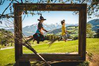 Ab 1. August fliegen die Hexen im runderneuerten Hexenwasser wieder mit ihren Gästen aller Altersklassen. Bild:     HEXENWASSER/Gärtner