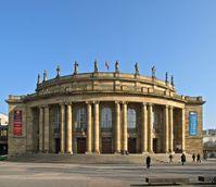 Staatstheater Stuttgart, Opernhaus mit seiner repräsentativen Eingangsfront