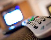 Fernbedienung: Sport im Fernsehen reicht nicht. Bild: Flickr/Donovan