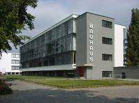 Das Bauhausgebäude in Dessau-Roßlau - Sitz der Stiftung
