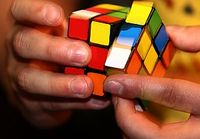 Rubik-Würfel: Jede Position kann durch 20 Drehungen geknackt werden. Bild: Jumbo Spiele