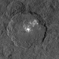 Die hellen Flecken auf Ceres, aufgenommen von der Dawn-Raumsonde.