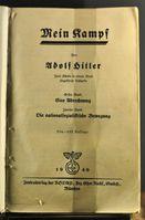Deckblatt des Ausstellungsstücks von 1940 im Dokumentationszentrum Reichsparteitagsgelände in Nürnberg