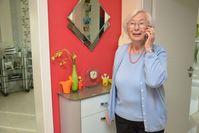 Symbolbild Bild: Polizei: Seniorin telefoniert mit Betrügern