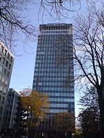BHF-Bank-Hochhaus (Zentrale) in Frankfurt am Main. Bild: Sven Fischer / de.wikipedia.org