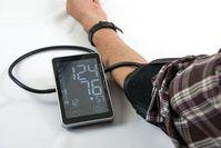 Blutdruckmessung: Quercetin wirkt positiv.