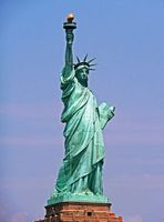 Freiheitsstatue: Amerikaner wollen eigenständig sein. Bild: pixelio.de, A. Damm