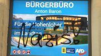 Das Bürgerbüro des AfD-Landtagsabgeordneten Anton Baron in Öhringen (Baden-Württemberg) nach dem Farbanschlag am 10.11.2019